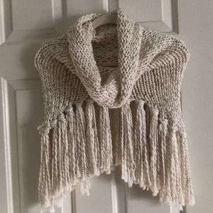 Gorgeous knit scarf
